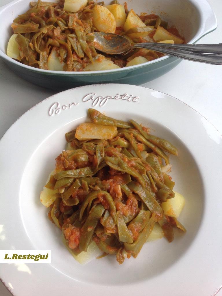 Judías verdes con patatas y tomate