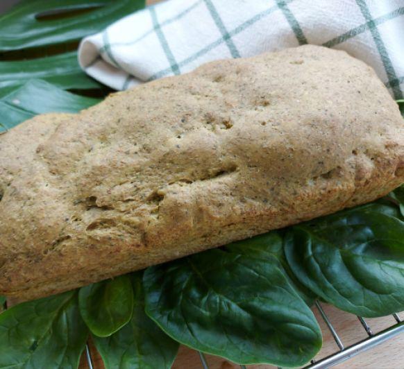Pan de molde integral con espinacas