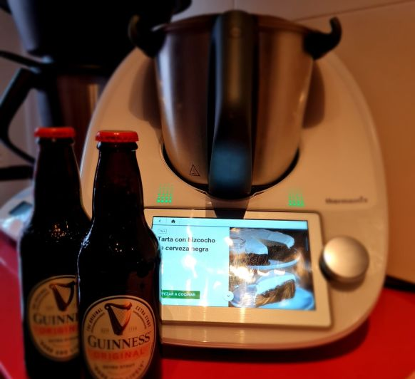 Tarta de cerveza Guinness en Thermomix®