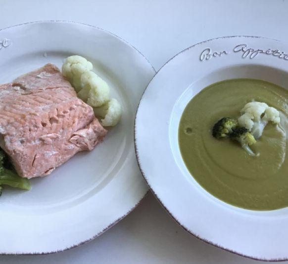 Menú completo. Crema de aprovechamiento con salmón, coliflor y brócoli al vapor