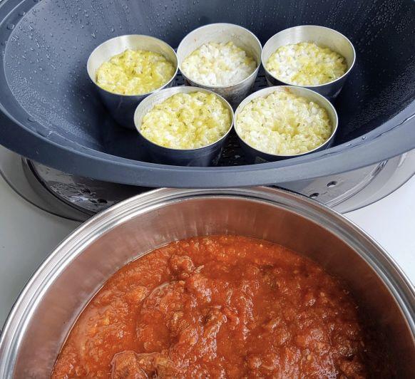 Carrilleras riquísimas con tomate y arroz blanco. Menú completo