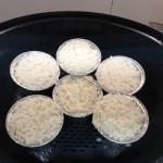 Hoy, pollo a la cerveza con vasitos de arroz